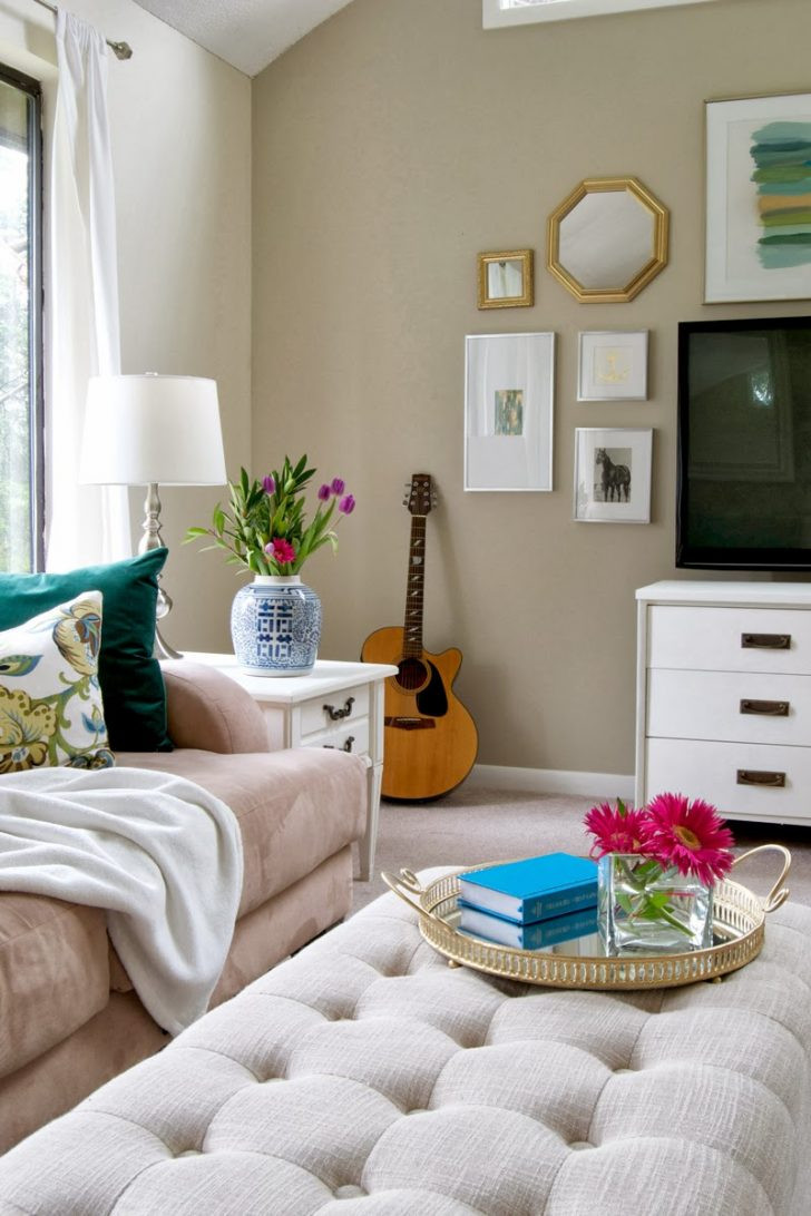 Best ideas about Decorating A Living Room . Save or Pin etikaprojects Now.