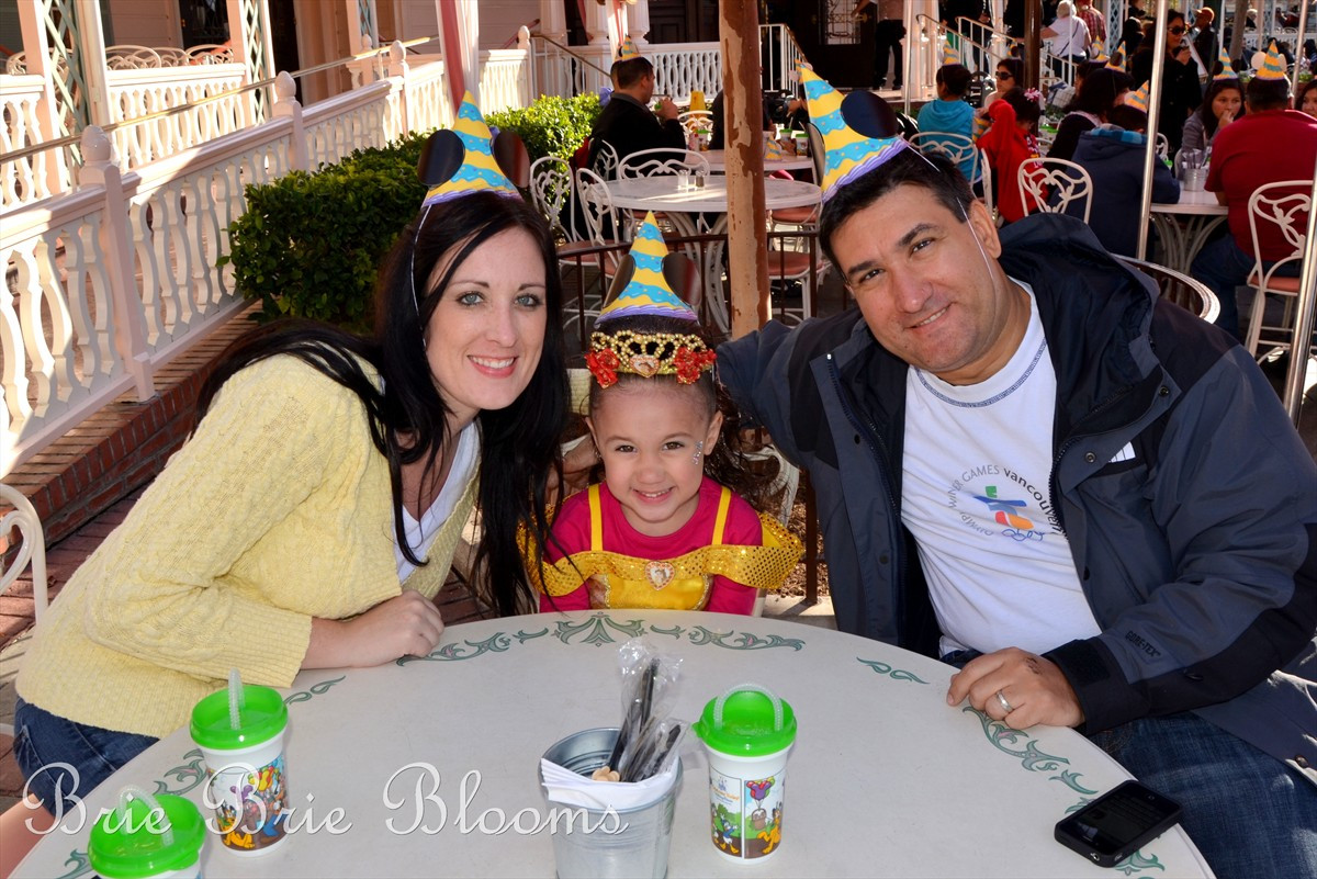 Best ideas about Disneyland Birthday Party . Save or Pin Celebrating a Birthday in Disneyland How To Make It Now.