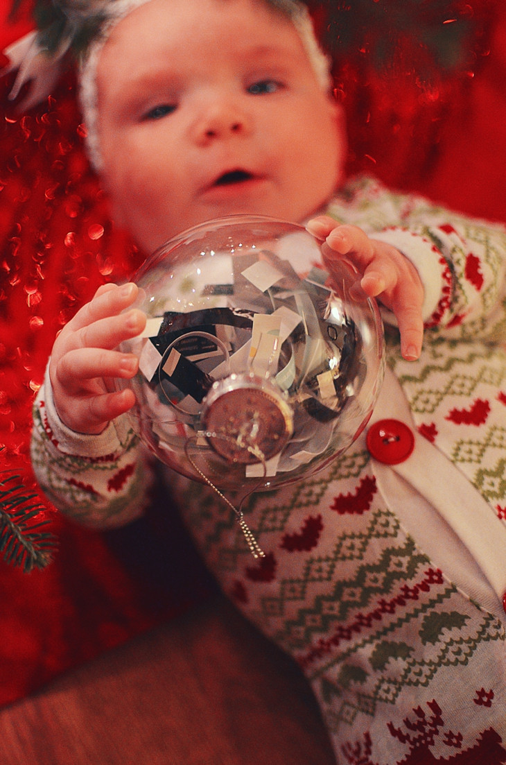 Best ideas about DIY Baby Christmas Pictures . Save or Pin Cheap & Easy DIY Baby Keepsake Christmas Ornament still Now.