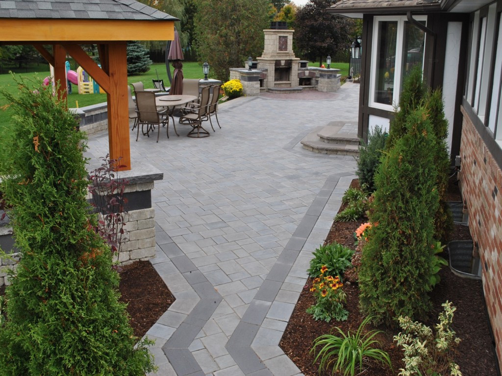 Best ideas about Diy Backyard Landscaping . Save or Pin Small DIY Backyard Ideas on a Bud Now.