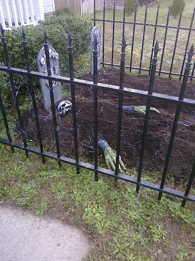 Best ideas about DIY Graveyard Fence . Save or Pin 40 best images about Halloween Fence on Pinterest Now.