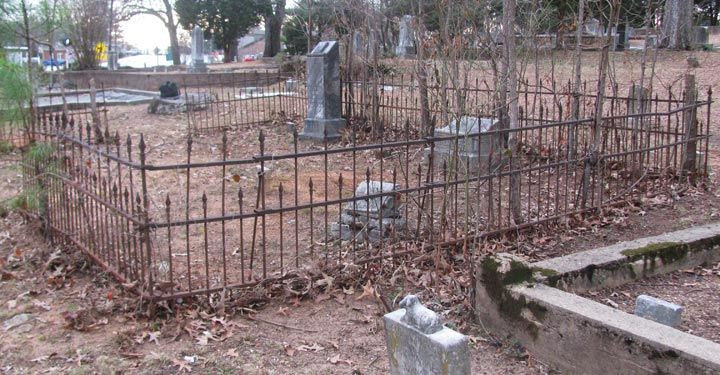 Best ideas about DIY Graveyard Fence . Save or Pin 17 Best images about Halloween Cemetery on Pinterest Now.