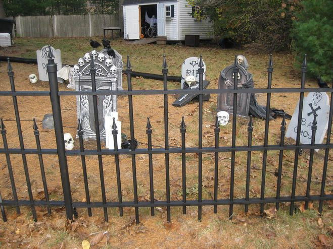 Best ideas about DIY Graveyard Fence . Save or Pin 275 best images about Halloween Cemeteries on Pinterest Now.