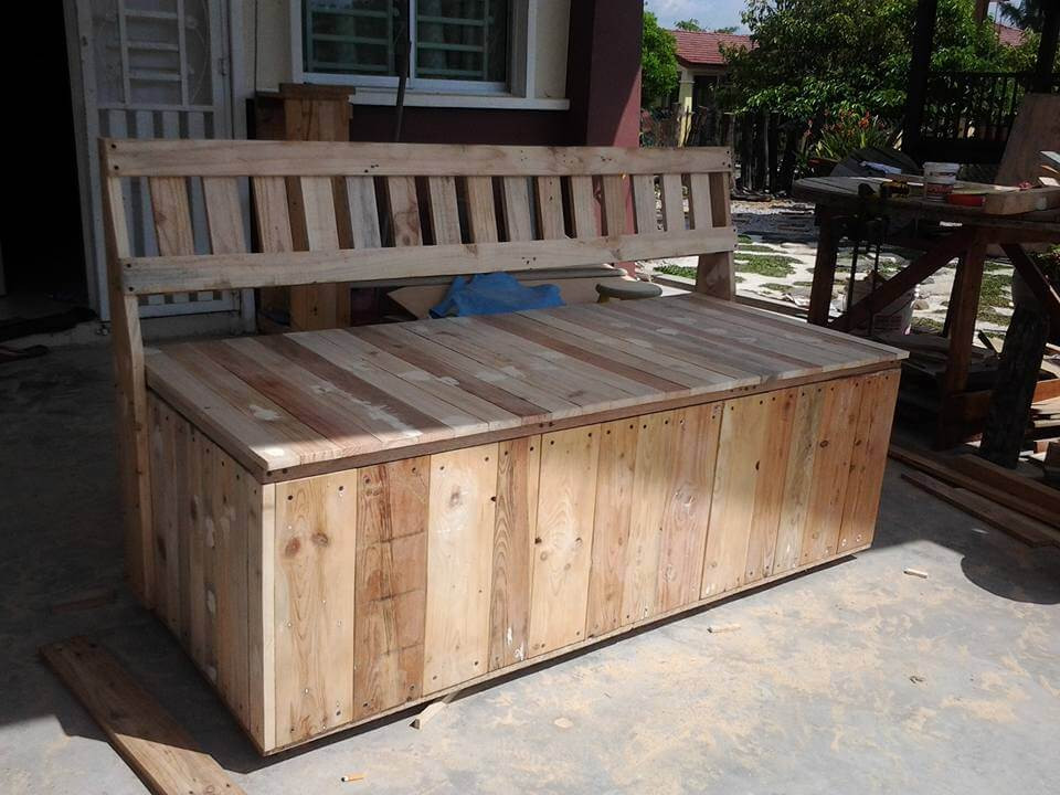 Best ideas about DIY Outdoor Storage Box . Save or Pin Pallet Outdoor Bench with Storage Box Now.