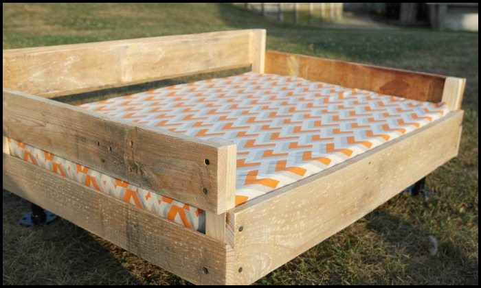 Best ideas about DIY Raised Dog Bed . Save or Pin Make a Pallet Dog Bed Now.