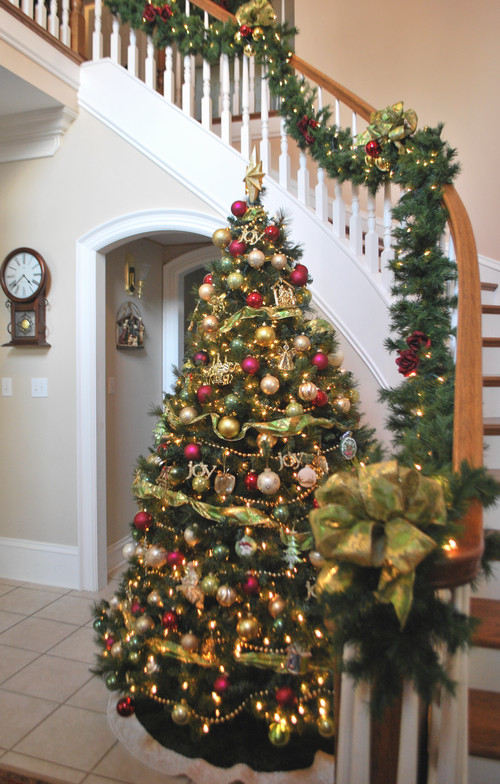 Best ideas about Entryway Christmas Tree . Save or Pin Saturday Spotlight s Christmas Tree Love s Craft O Maniac Now.