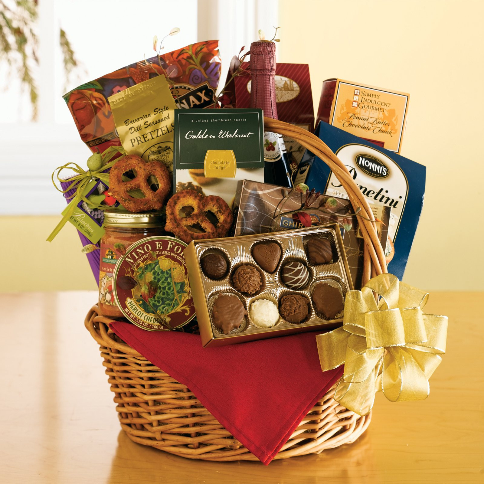 Best ideas about Gift Baskets Ideas . Save or Pin Christmas Gift basket Ideas Now.