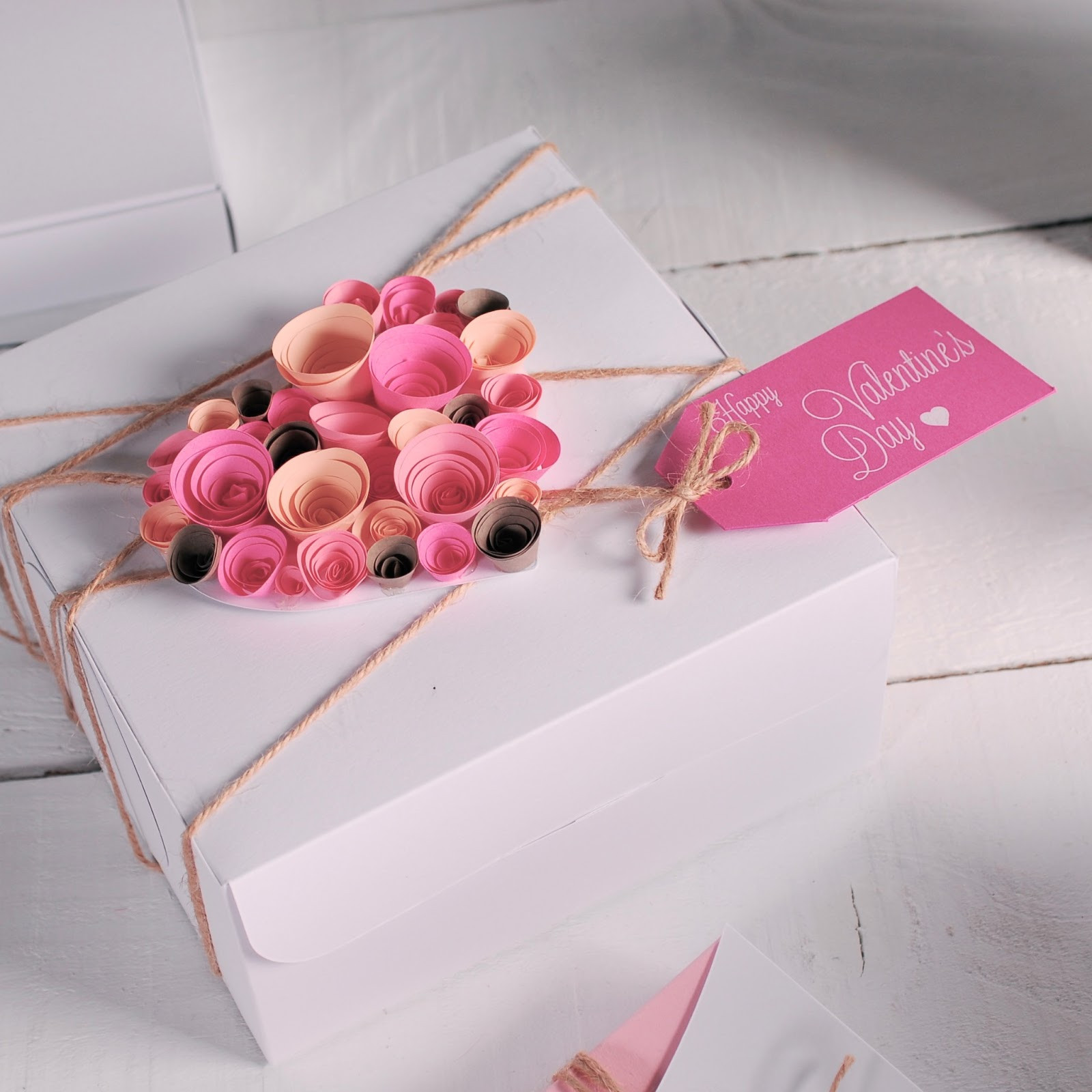 Best ideas about Gift Card Wrapping Ideas . Save or Pin Gift wrapping ideas for Valentines Day How to decorate a Now.