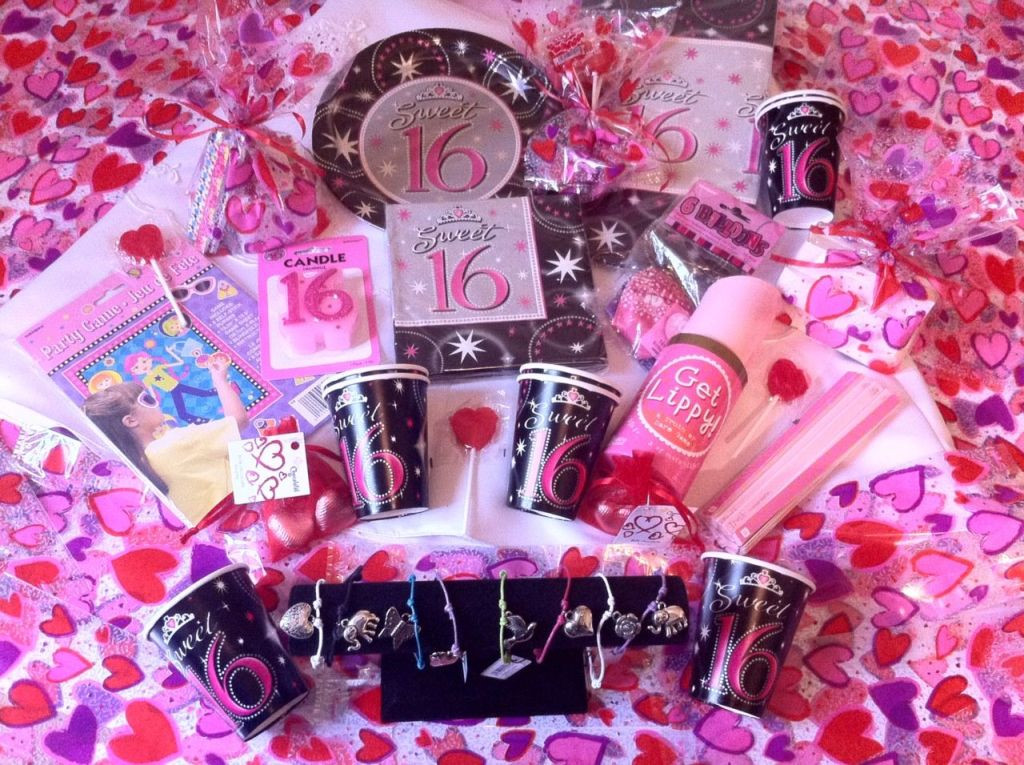 Best ideas about Gifts For 16th Birthday Girl . Save or Pin The Cute 16th Birthday Gift Ideas for Girls Now.
