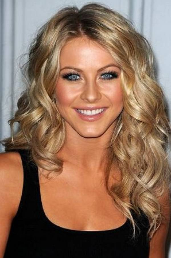 Best ideas about Hairstyle Ideas For Medium Hair . Save or Pin Perfect Hairstyles For Medium Hair for Every Woman Now.