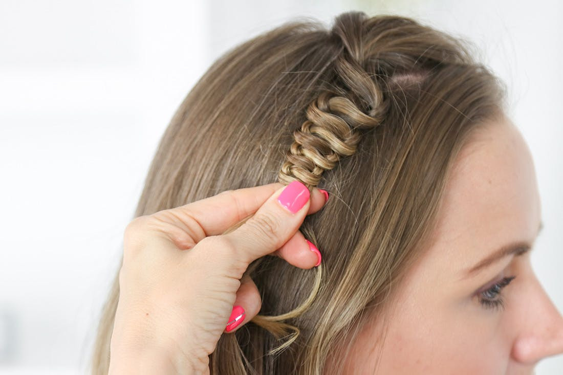 Best ideas about How To Do Hairstyles . Save or Pin How to Do a Snake Accent Braid Hairstyle in 3 Simple Steps Now.