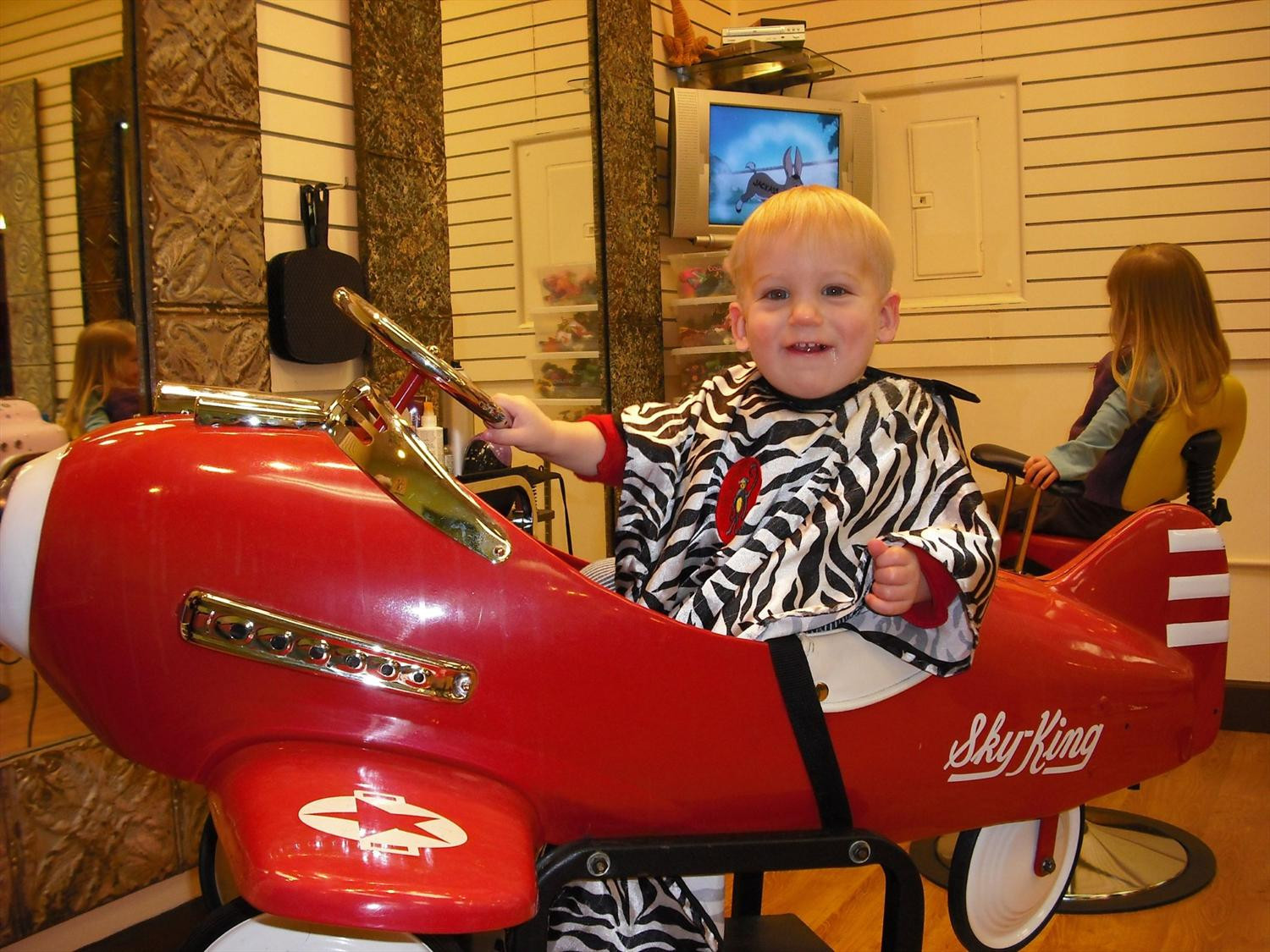 Best ideas about Kids Haircuts Bellevue . Save or Pin Incredible Beauty Salon Following Grand Article Now.