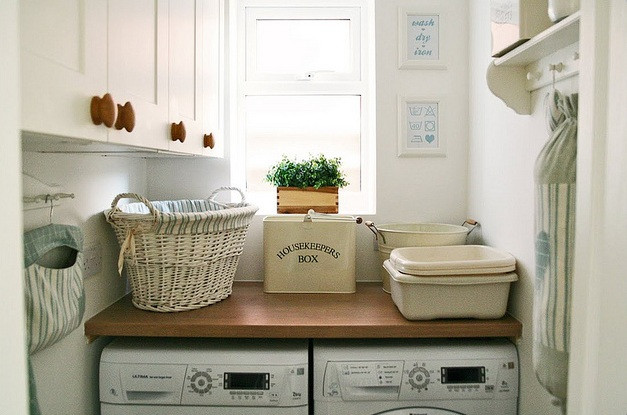 Best ideas about Laundry Room Accessories . Save or Pin Vintage laundry room decor with vintage hamper Decolover Now.