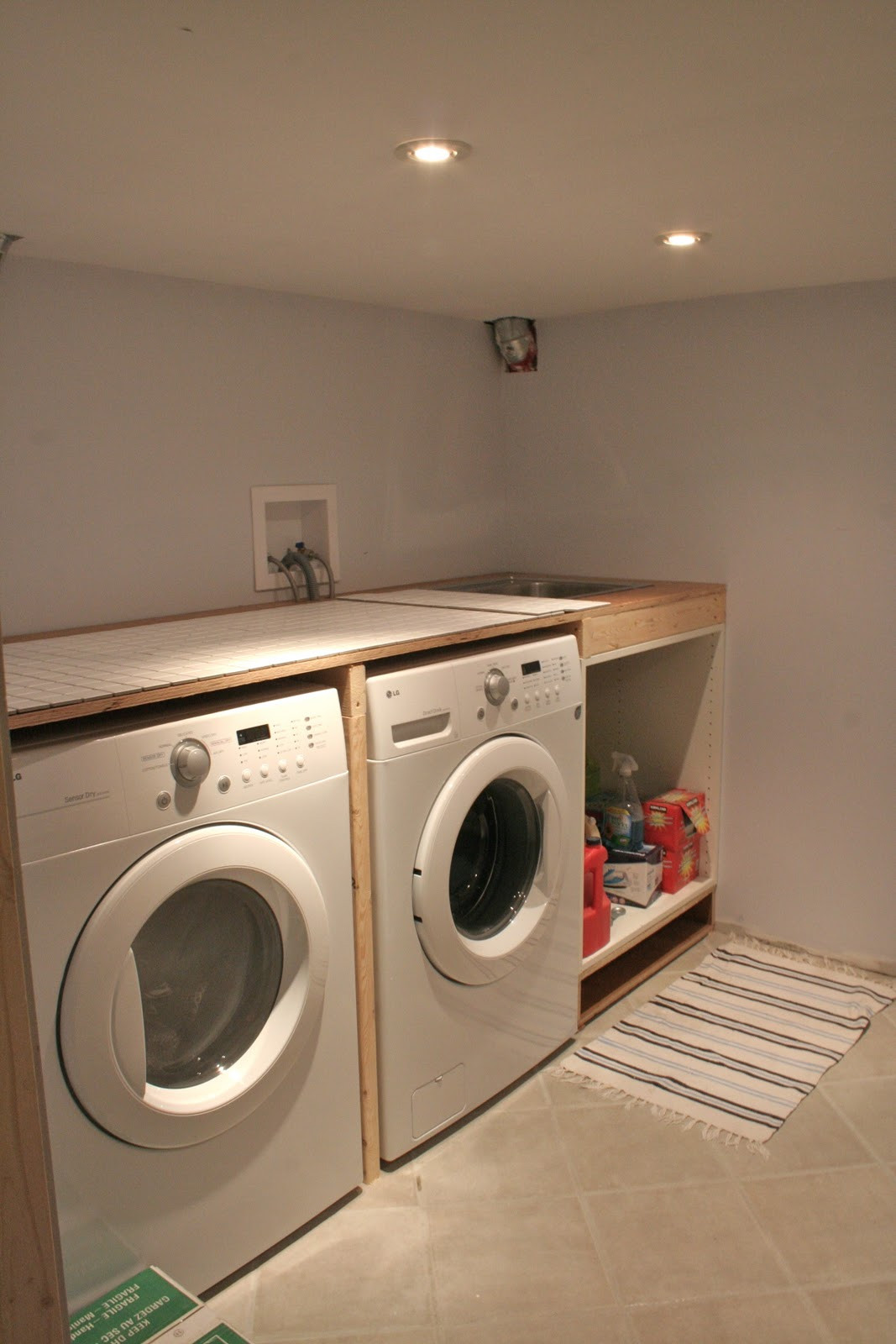 Best ideas about Laundry Room Countertop . Save or Pin Marvelous Laundry Room Countertop 2 Idea Laundry Room Now.