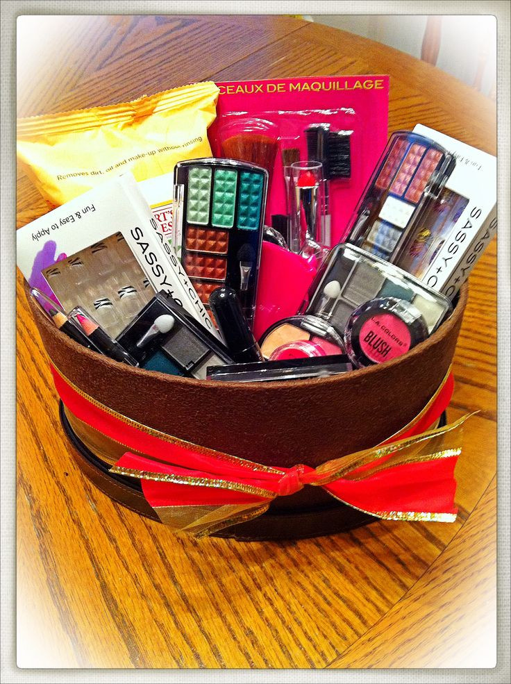Best ideas about Makeup Gift Basket Ideas . Save or Pin Christmas Gift Ideas For Teens – Pelfusion Now.