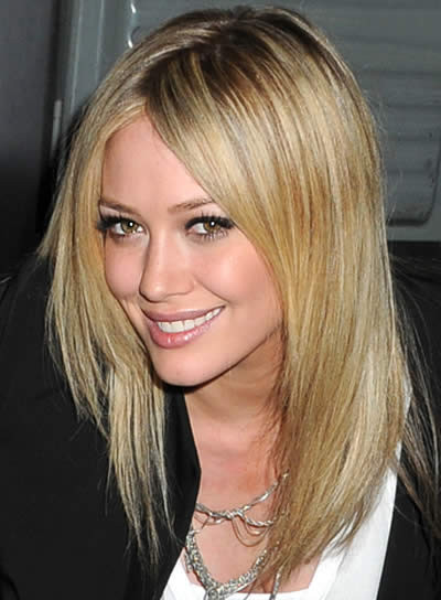 Best ideas about Medium Length Haircuts For Straight Hair . Save or Pin hairstyle mode new look Women Hairstyles for medium Now.