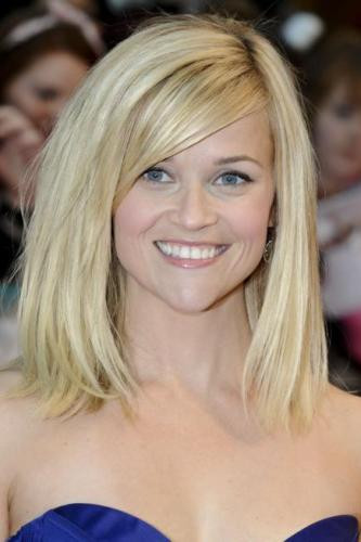 Best ideas about Medium Length Haircuts Straight Hair . Save or Pin 9 Stylish Hairstyles For Straight Medium Hair with Now.