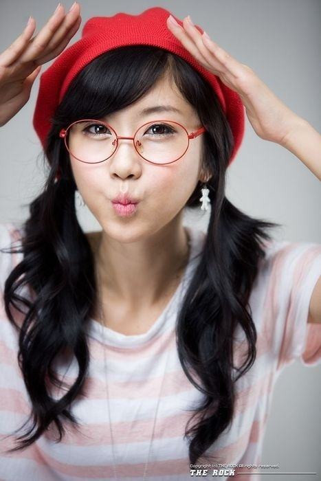Best ideas about Nerd Hairstyle For Girls . Save or Pin Cute Nerd Hairstyles For Girls 19 Hairstyles For Nerdy Look Now.