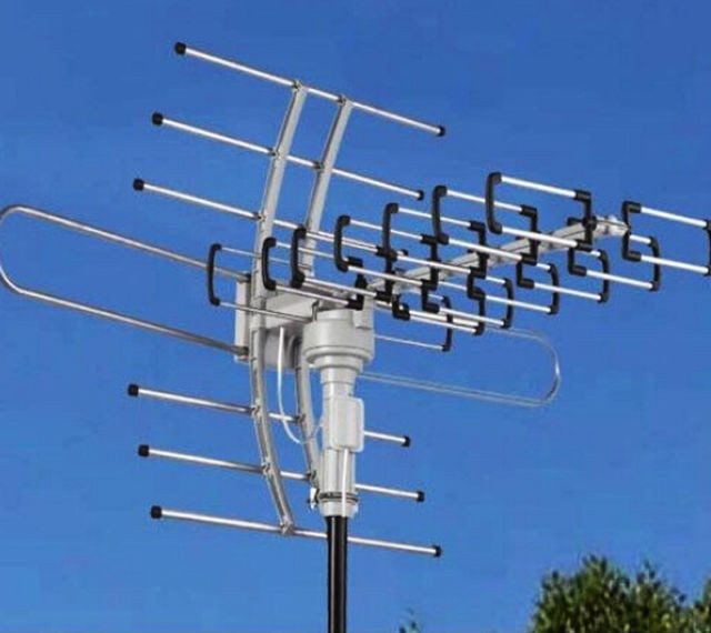 Best ideas about Outdoor Tv Antenna Reviews . Save or Pin 150miles Outdoor TV Antenna Motorized Amplified HDTV VHF Now.