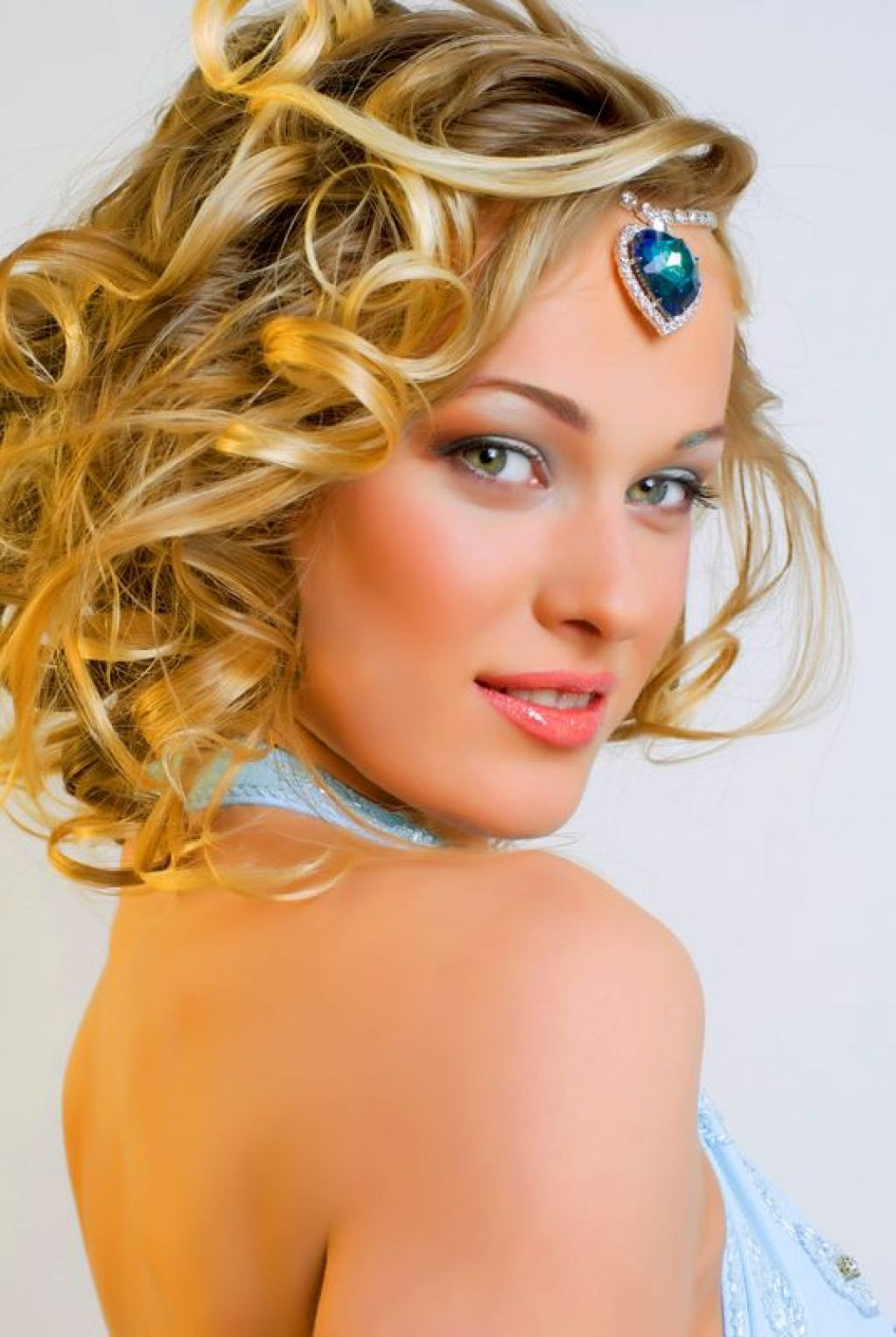 Best ideas about Prom Hairstyle Medium Hair . Save or Pin Hairstyles for medium length hair for prom Hairstyle for Now.