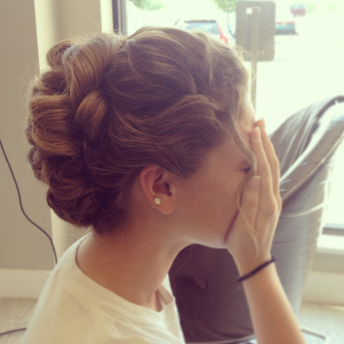 Best ideas about Prom Hairstyles Tumblr . Save or Pin prom hairdo Now.