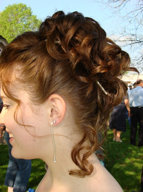 Best ideas about Prom Hairstyles Tumblr . Save or Pin prom updo on Tumblr Now.