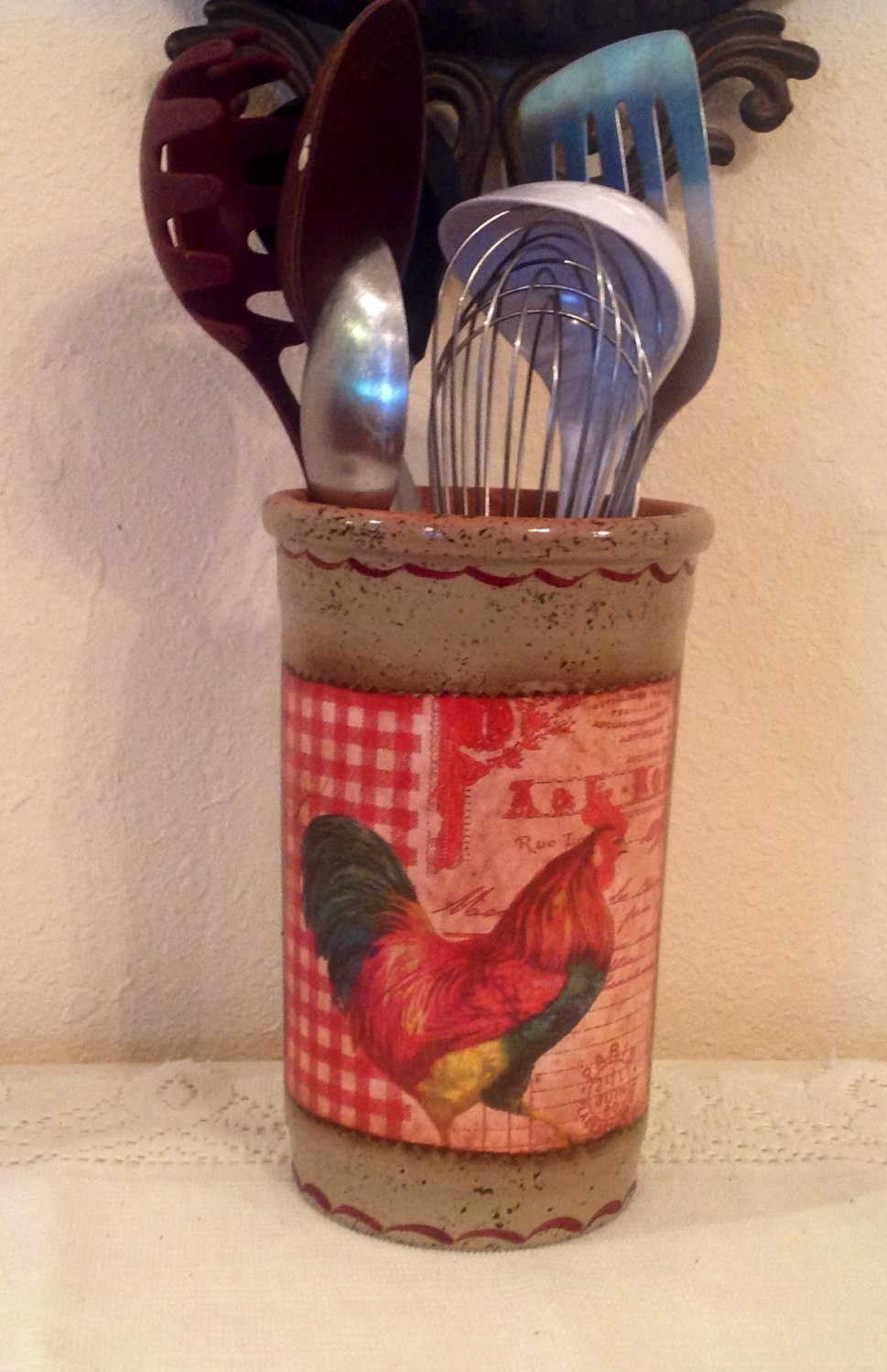 Best ideas about Rooster Kitchen Decor . Save or Pin Rooster Utensil Holder Kitchen Decor Country by Now.
