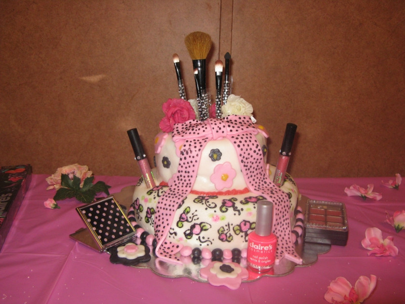 Best ideas about Teenage Girl Birthday Cake . Save or Pin 33 Pretty Birthday Cake Ideas For Girls Now.