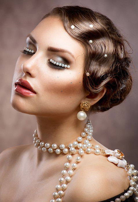 Best ideas about Vintage Updos Hairstyles . Save or Pin Stylish Updos Now.