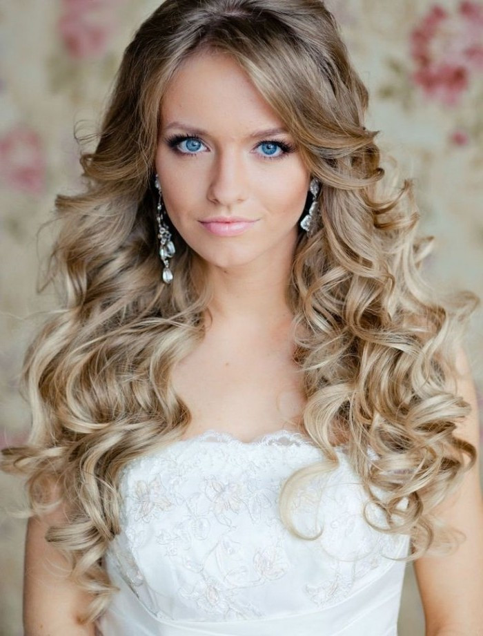 Best ideas about Wavy Hairstyles For Prom . Save or Pin 65 Prom Hairstyles That plement Your Beauty Fave Now.