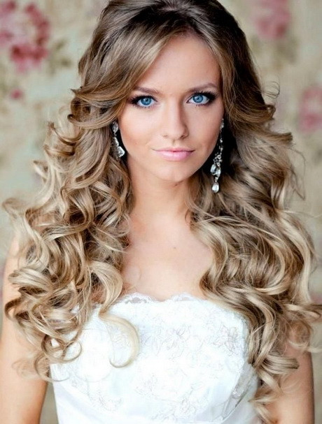 Best ideas about Wavy Hairstyles For Prom . Save or Pin Prom hairstyles down and curly Now.