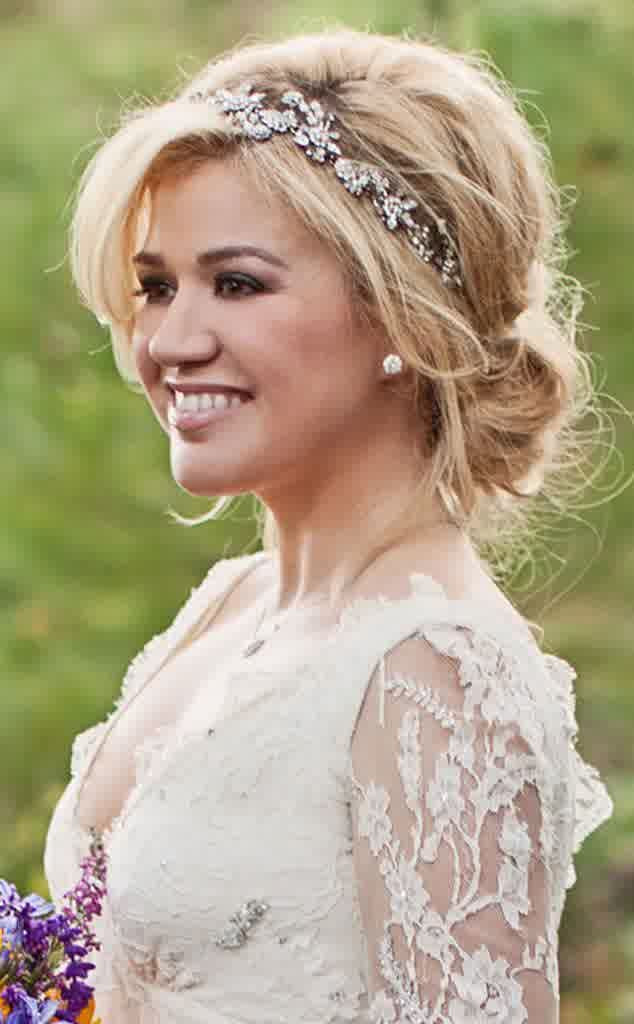 Best ideas about Wedding Hairstyles With Headband . Save or Pin 11 Awesome Medium Length Wedding Hairstyles Awesome 11 Now.