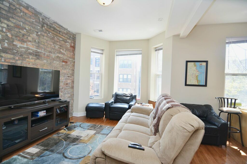 Best ideas about 1 Bedroom Apt In Chicago . Save or Pin 850 West Fletcher Street Chicago IL 2 Bedroom Now.