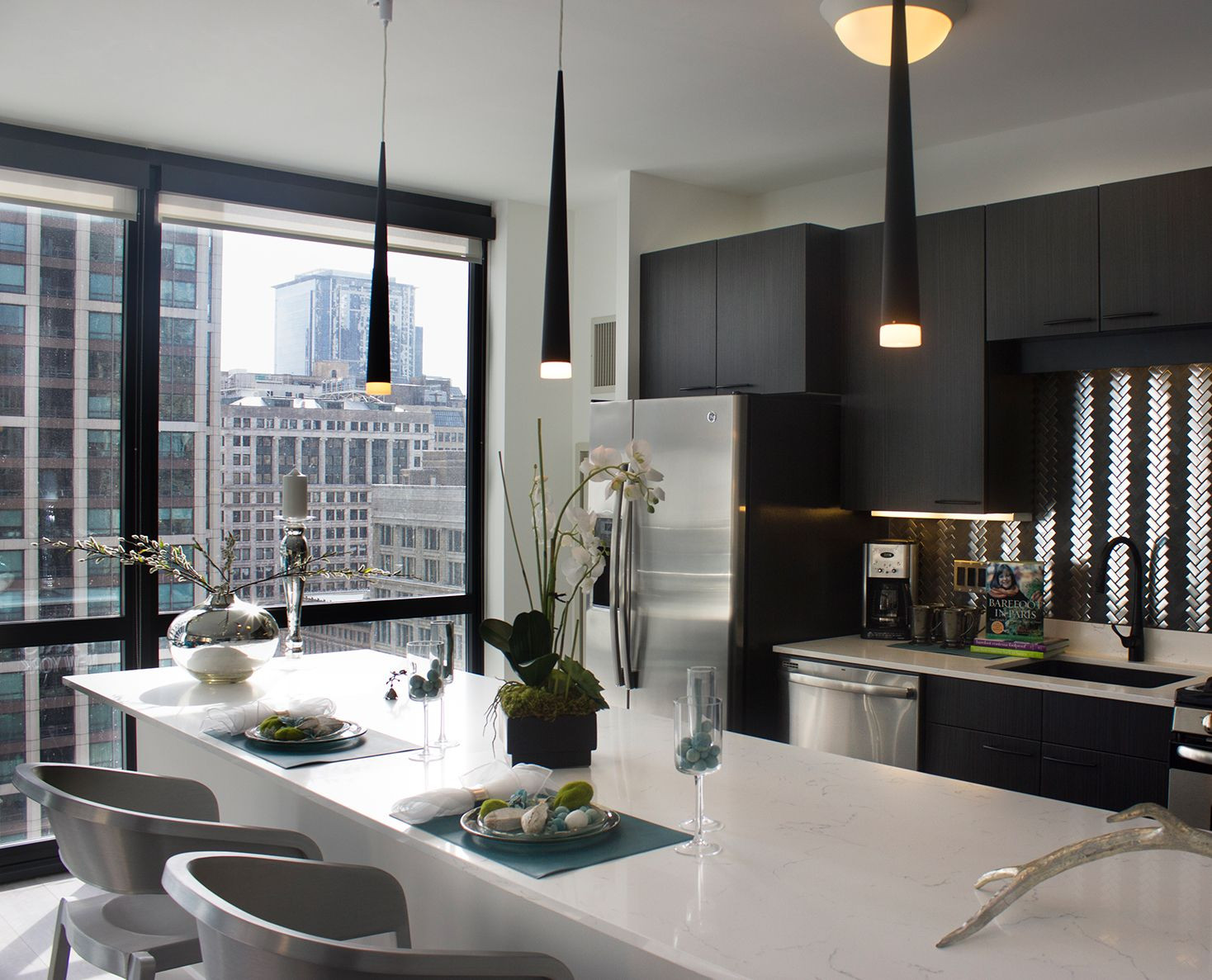 Best ideas about 1 Bedroom Apt In Chicago . Save or Pin Chicago Luxury Apartments for Rent Now.
