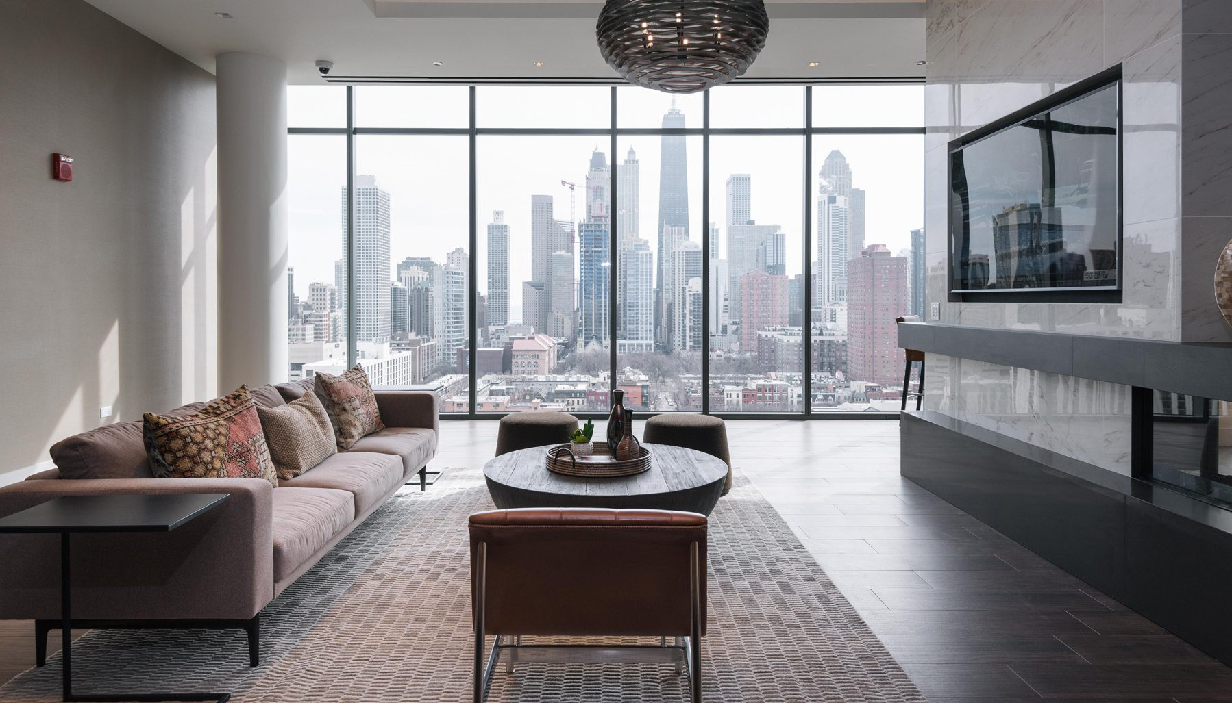 Best ideas about 1 Bedroom Apt In Chicago . Save or Pin Luxury Apartments & Condos For Rent Now.