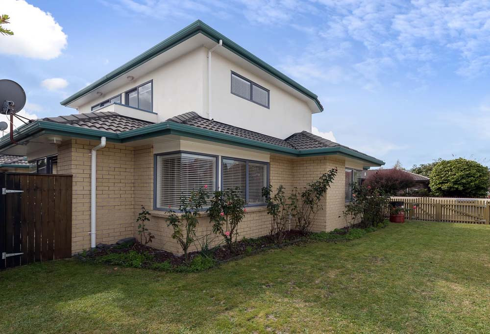 Best ideas about 3 Bedroom Townhomes . Save or Pin Book at Palm Court Rotorua Rent Townhouse in Rotorua Now.