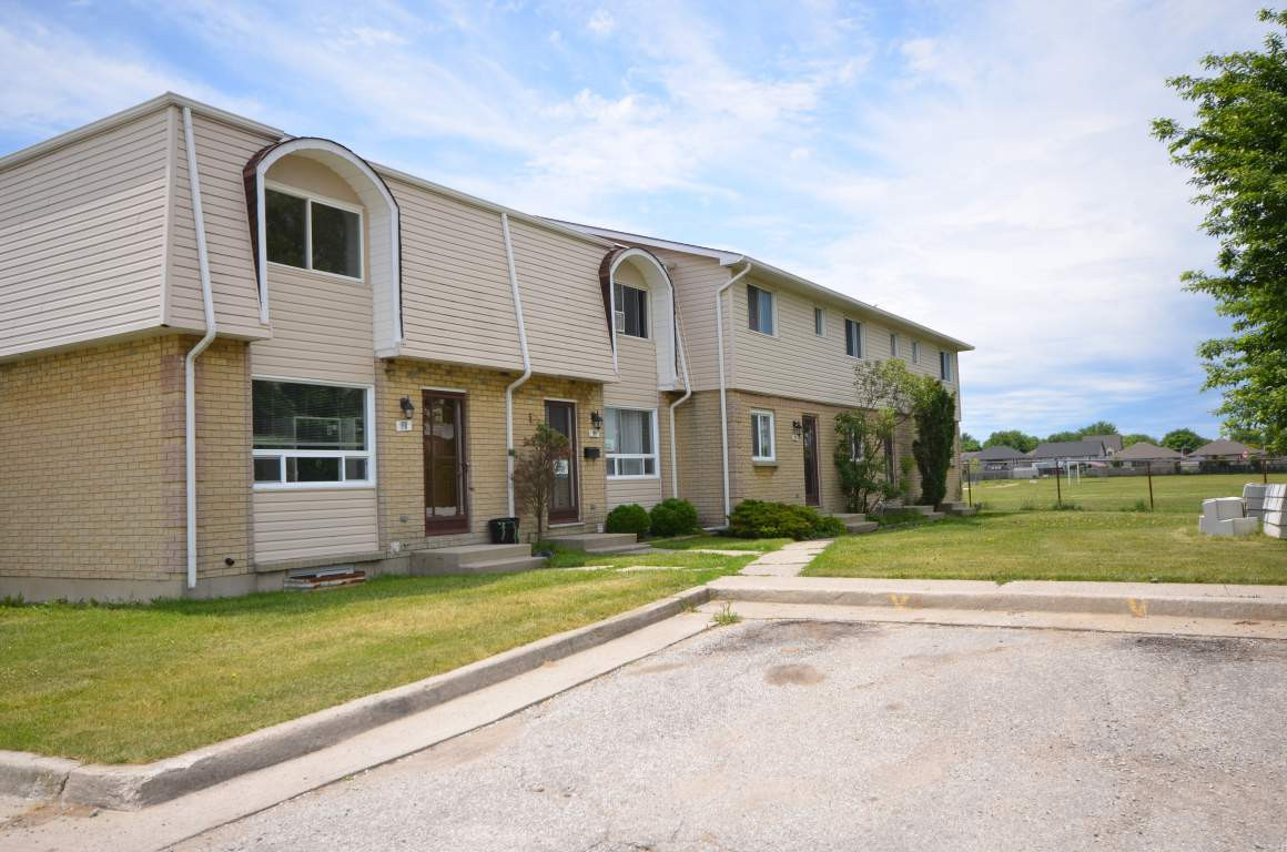 Best ideas about 3 Bedroom Townhomes . Save or Pin Corunna 3 bedrooms Townhouse for rent Now.