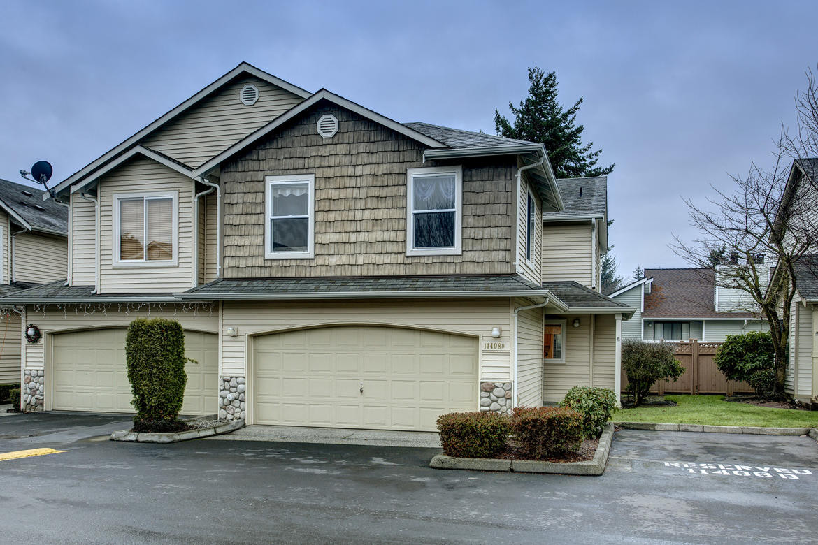 Best ideas about 3 Bedroom Townhomes . Save or Pin 3 bedroom Everett Townhome Pickett Street Now.
