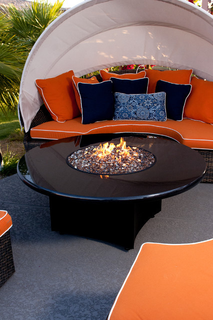 Best ideas about All Backyard Fun . Save or Pin Oriflamme Fire Table Urban Elegance Modern Patio Now.