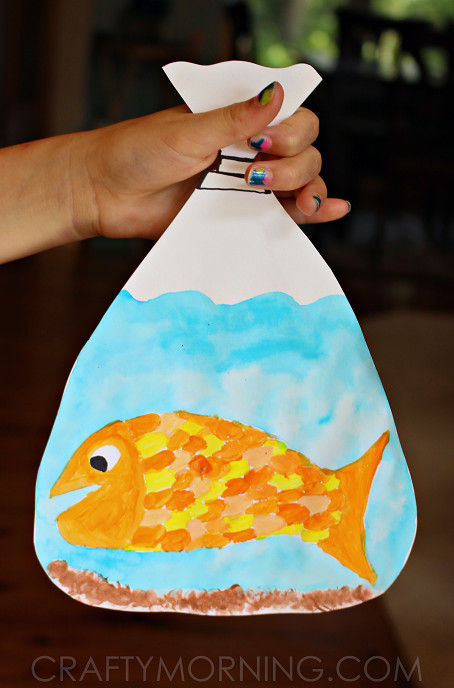 Best ideas about Arts And Craft Ideas For Kids . Save or Pin Adorable goldfish in a bag kids craft Now.