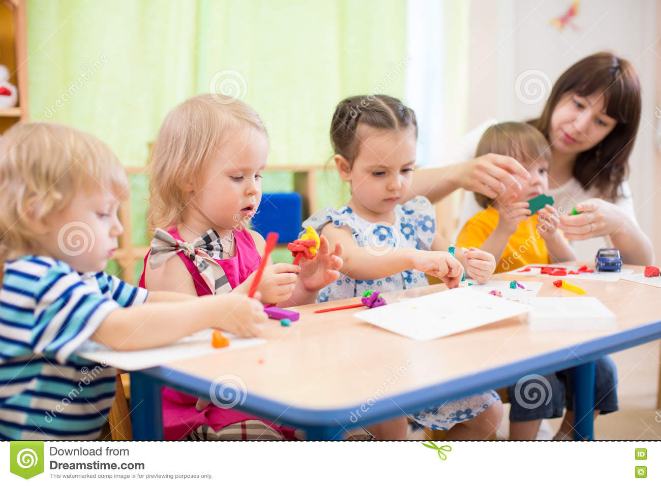 Best ideas about Arts N Craft For Kids . Save or Pin Kids Learning Arts And Crafts In Kindergarten With Teacher Now.