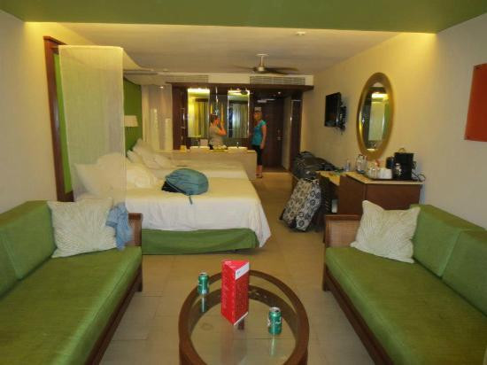 Best ideas about Barcelo Bavaro Palace Family Room . Save or Pin La spiaggiaaaa Picture of Barcelo Bavaro Palace Deluxe Now.