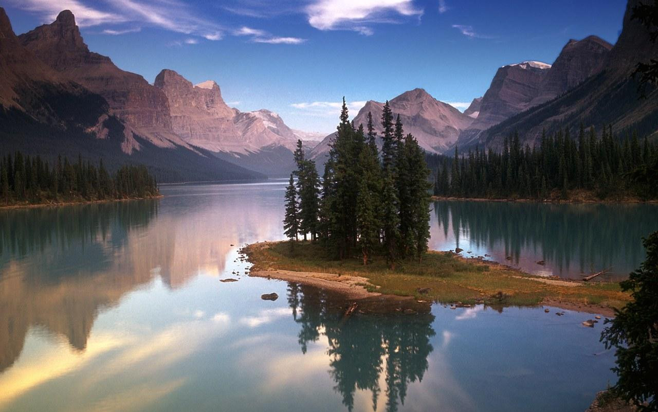 Best ideas about Beautiful Landscape Pictures . Save or Pin Landscape Now.