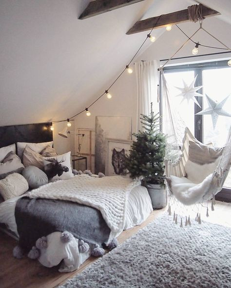 Best ideas about Bedroom Ideas Tumblr . Save or Pin 25 best ideas about Tumblr Bedroom on Pinterest Now.