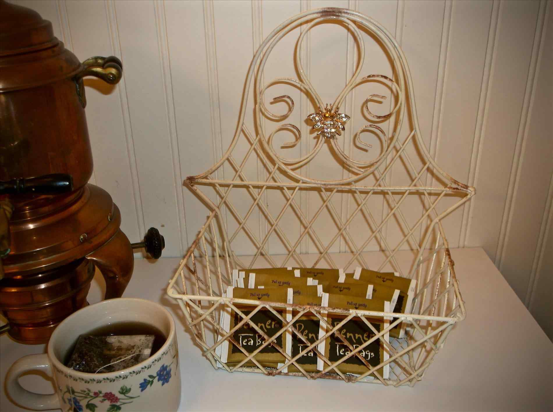 Best ideas about Bee Kitchen Decor . Save or Pin Bumble Bee Kitchen Decor Now.