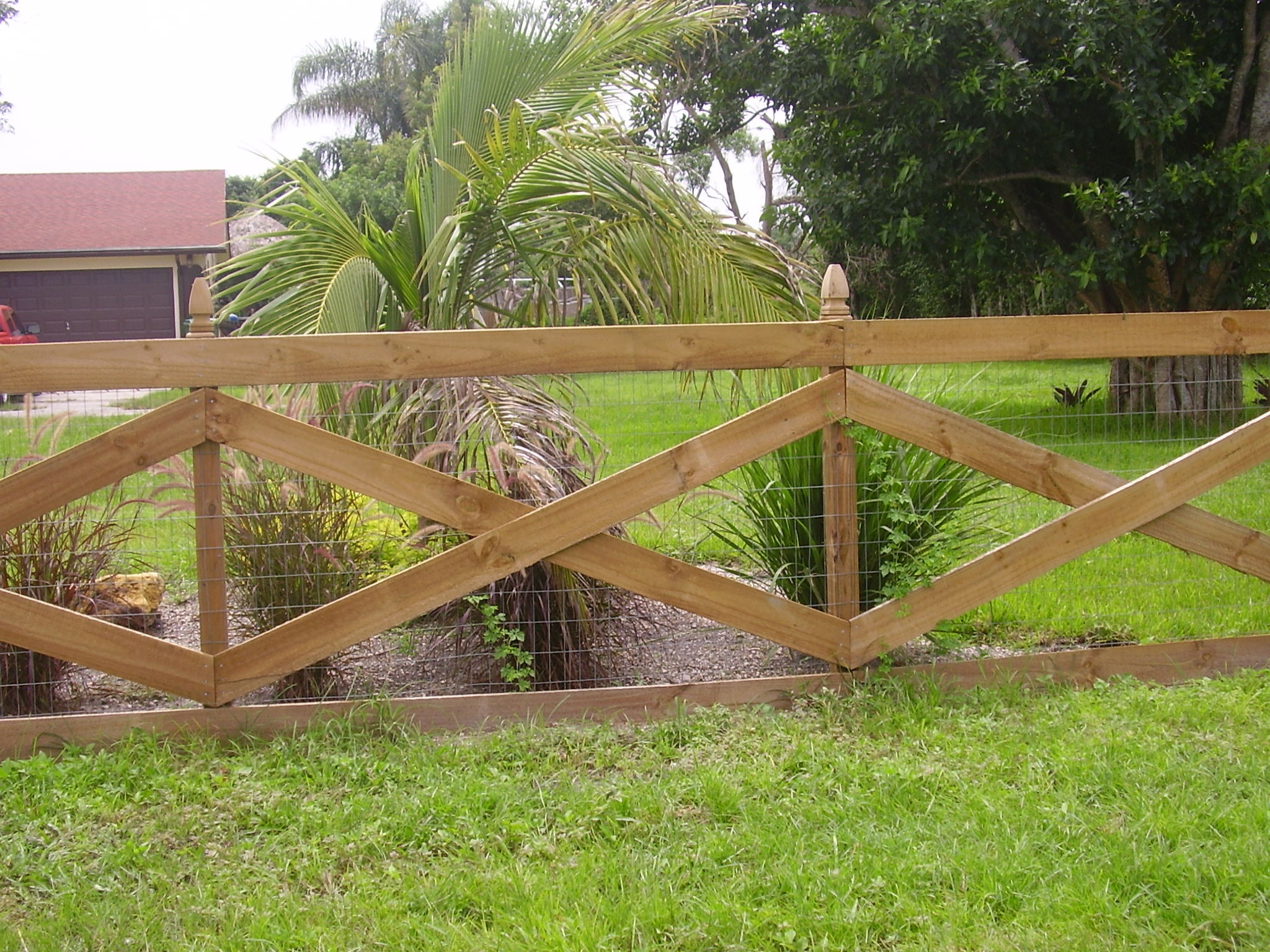 Best ideas about Cheap Fence DIY . Save or Pin Cheap Easy Dog Fence With 3 Popular Dog Fence Options Now.