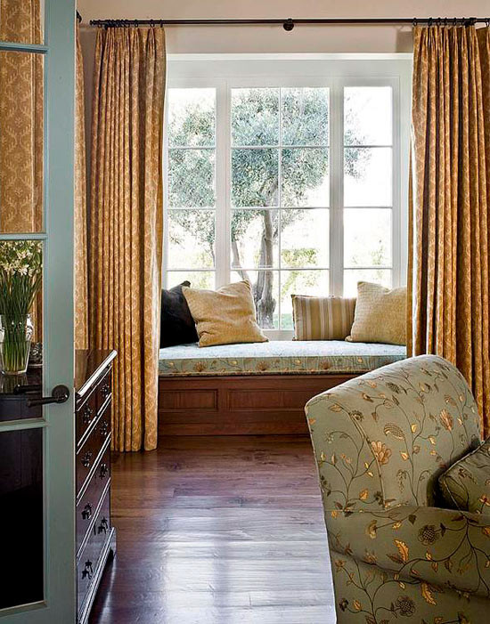 Best ideas about Curtain Idea For Bedroom . Save or Pin Bedroom Decorating Ideas Window Treatments Now.