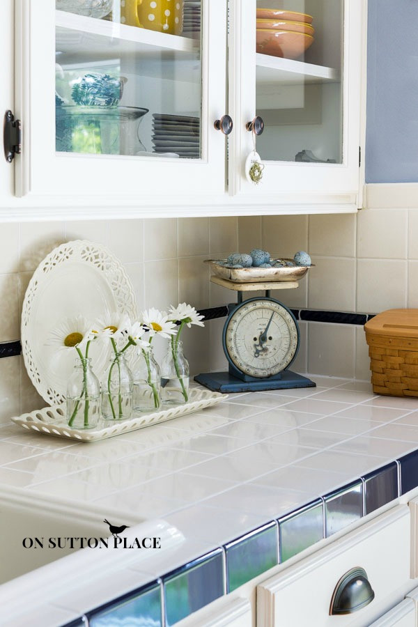 Best ideas about Daisy Kitchen Decorations . Save or Pin Decorating with Daisies Sutton Place Now.