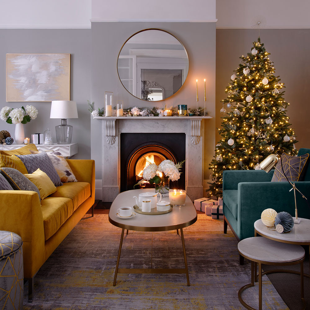 Best ideas about Decor For Living Room . Save or Pin Christmas living room decorating ideas – Living room for Now.
