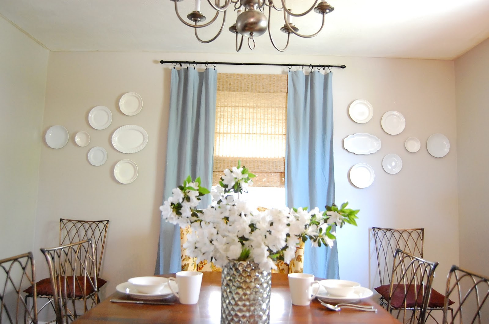Best ideas about Dining Room Wall Art . Save or Pin Dining Room Plate Wall DIY Show f ™ DIY Decorating Now.